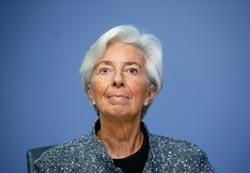 美、英、歐央行救市 ECB大手筆購債 英再降息