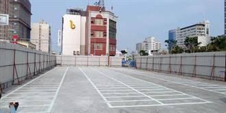 台南打卡新地標河樂廣場增闢路外機車停車場