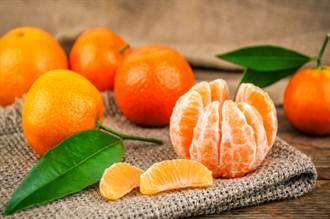 女為吃橘子 深夜撞壞寶馬