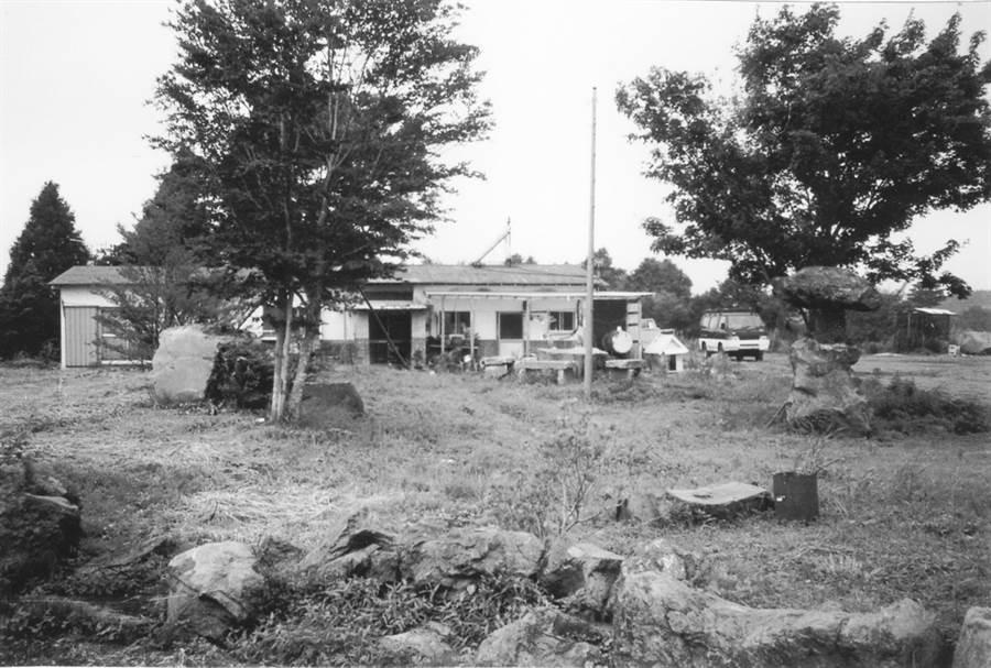 毒氣從製作沙林的第七靜坐園洩漏,擴散到五十公尺外的上九一色村農舍。(圖/玉山社出版 提供)
