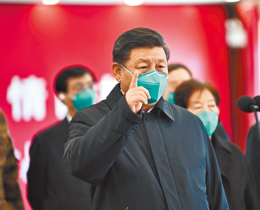 3月10日,中共中央總書記習近平在湖北省武漢市考察新冠肺炎疫情防控工作。(新華社)