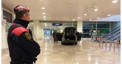 最糗恐攻?開車直搗航廈美食廣場…0人傷亡