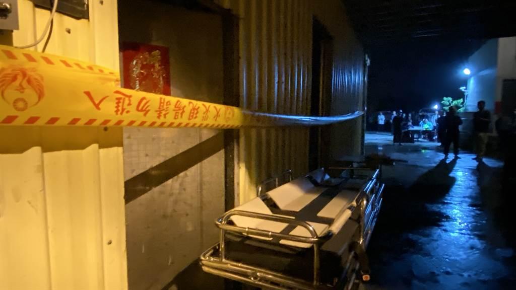 台中大肚區工廠大火,造成3移工逃避不及喪命,警消封鎖現場調查起火原因。(讀者提供/陳淑芬台中傳真)