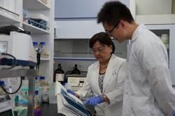 解決全球蝦疫 首獲OIE傑出貢獻獎 成大羅竹芳教授為全球蝦界打了漂亮一仗