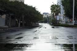 夏天為何馬路上總是有水?近看又消失