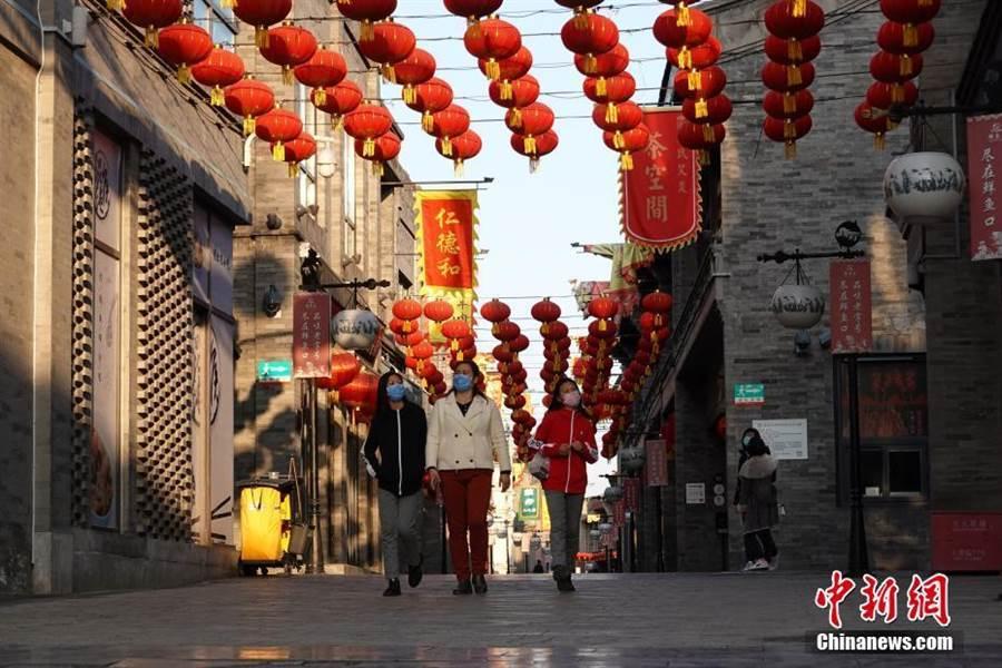 北京推出快遞送藥到家,避免人潮聚集。(資料照/取自中新網)
