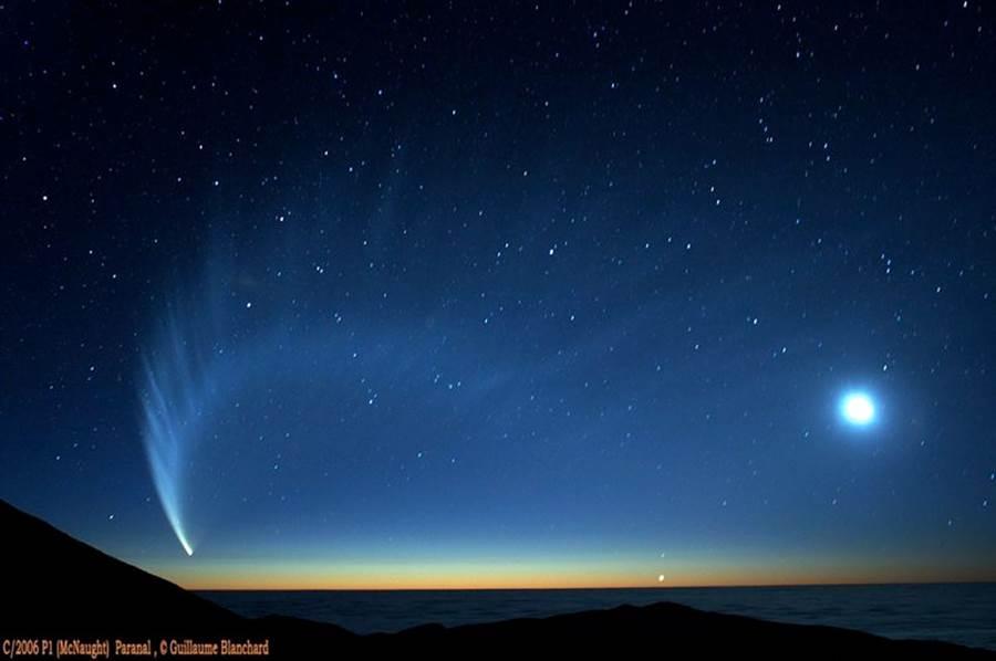 2007年的麥克諾特彗星,相當壯觀,可惜只有南半球可見。(圖/歐洲南方天文台)