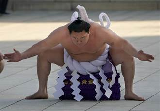 大相撲最終日 7年首見相星決戰