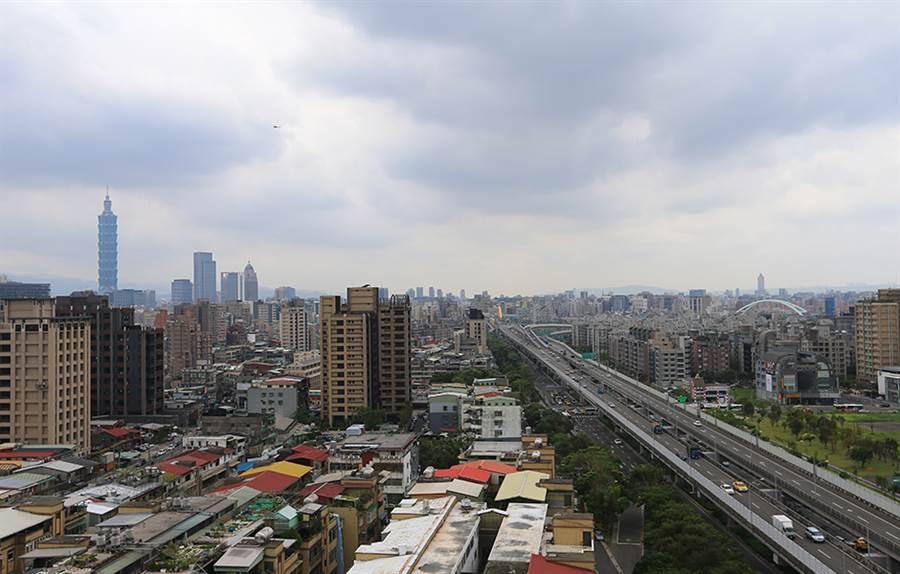 台北市2,240戶工業宅從今年5月起分5階段處理,最高將裁罰30萬元罰鍰。(圖/業者提供)