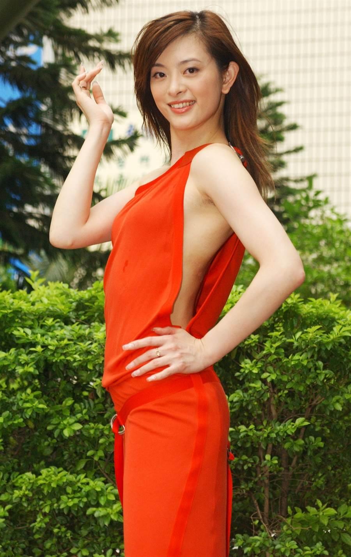 2003年劉真演出華視八點檔《愛謊言配偶欄》性感的服裝謀殺不少底片。(圖/中時資料照片)
