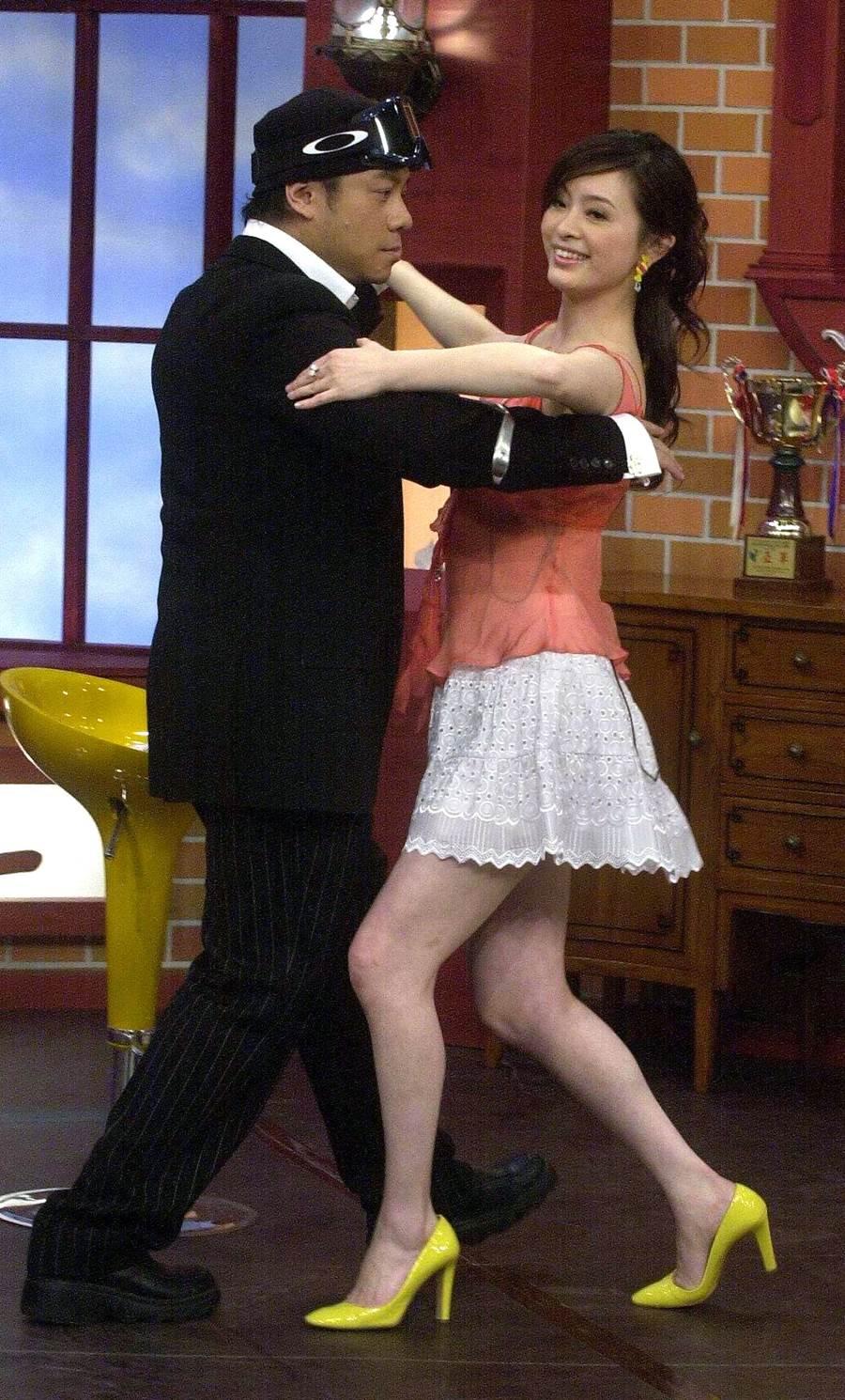 2005年劉真上《康熙》和蔡康永共舞。(圖/中時資料照片)