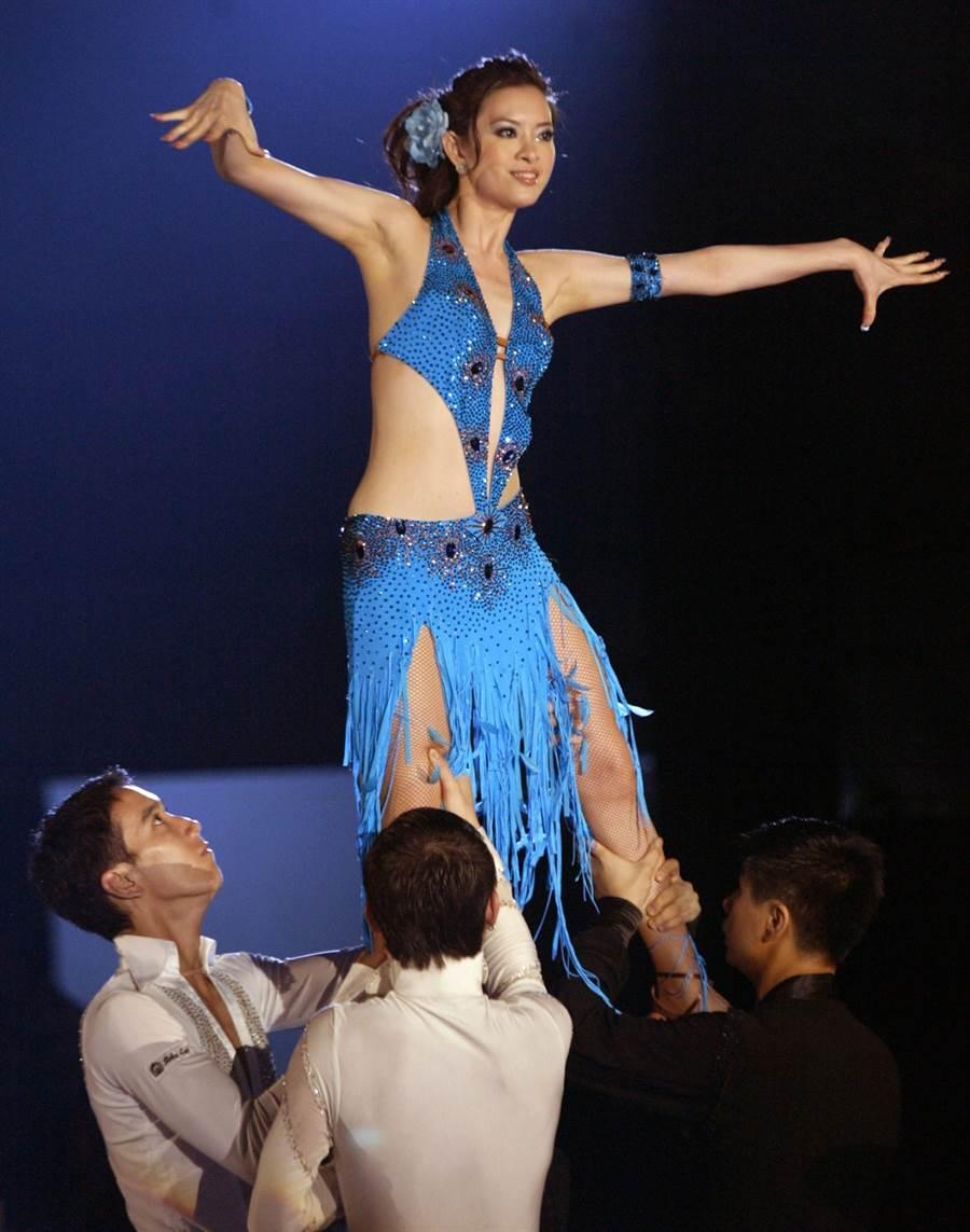 2005年劉真參加時代盃運動舞蹈公開賽中港台三大舞后決戰。(圖/中時資料照片)