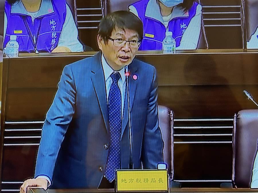 地稅局長姚世昌說桃園率全國之先,29家飯店停用房屋稅減420萬元。(蔡依珍攝)