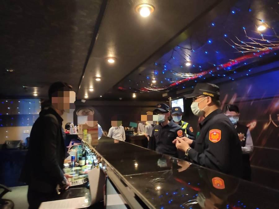 疫情衝擊沒客人,桃園平鎮三酒店自主歇業。(平鎮警分局提供/呂筱蟬桃園傳真)