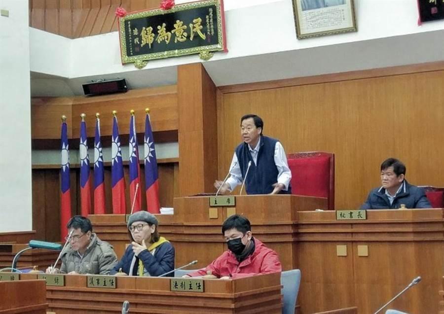 連江縣議長張永江表示,往年為5月才會舉行大會,目前仍視疫情變化,5月才會進一步決定。(連江縣議會提供/葉書宏連江傳真)
