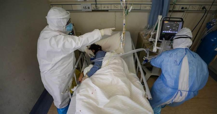湖北及武漢近期頻傳「0確診」消息,但在23日一位武漢醫生確診陽性反應。(圖/路透社)