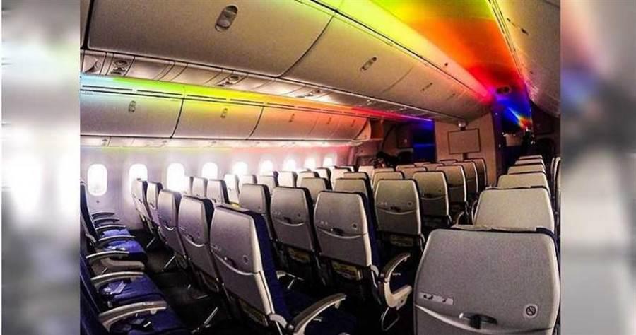 許多旅客認為酷航是廉航中舒適性較高的好選擇。(圖/FlyScoot臉書)