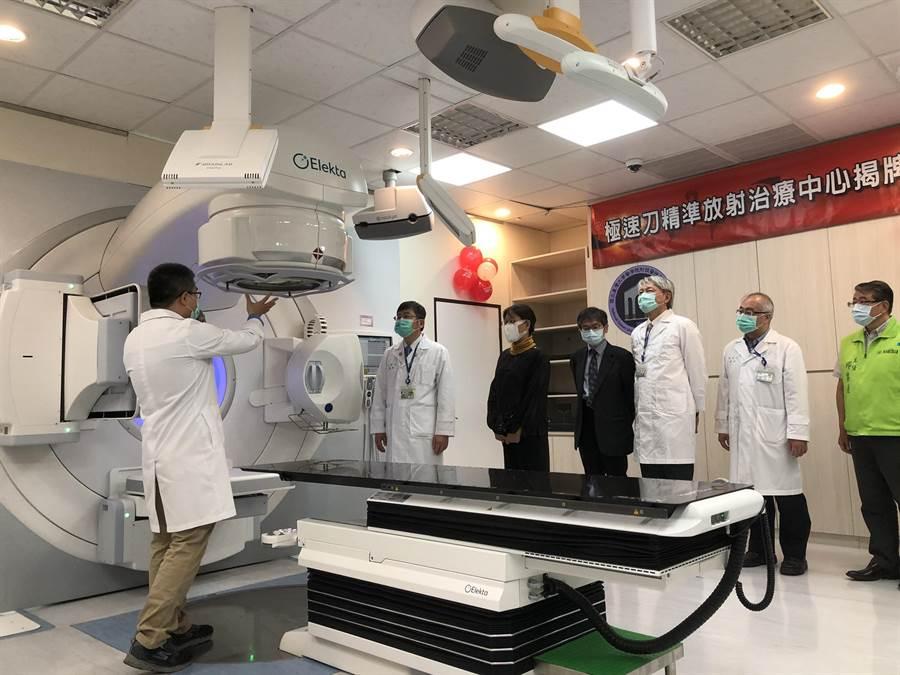 台大醫院雲林分院購置最新型直線加速器,提供病人更快、更準、更安全的放射治療服務。(許素惠攝)