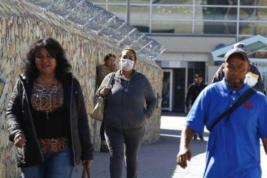 墨西哥憂疫情入侵,考慮加強美墨邊境管理。(圖/Las Vegas Sun)