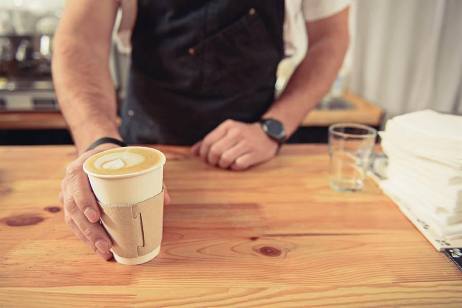 義大利翁不顧疫情外出買咖啡 結局神展開(示意圖/達志影像)