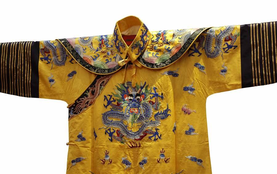 為何秦始皇的龍袍是黑色的?(示意圖/達志影像)