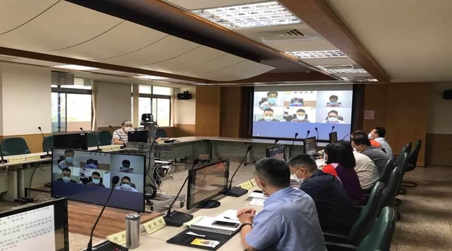 台中市警察局第四分局內部會議以視訊為主,避免人員互相接觸染疫。(台中市警察局第四分局提供/盧金足台中傳真)