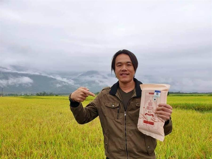 魏瑞庭白米銷量逆勢成長。(楊漢聲攝)