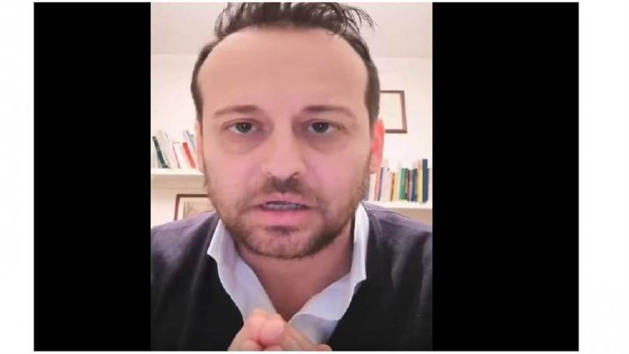 西西里島德利亞市的市長班伽利就痛批民眾為什麼天天跑去買菸,或是突然變成慢跑迷上街慢跑。(圖/Youtube)