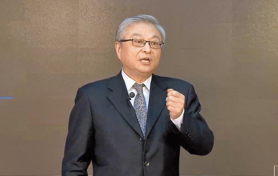 北京清華大學國際關係研究院院長閻學通近日在人文清華論壇,主講「各國防疫反映的國際關係」。(陳君碩翻攝)