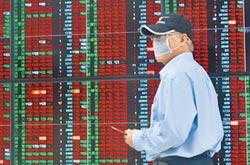 台股大漲395點 收復十年線