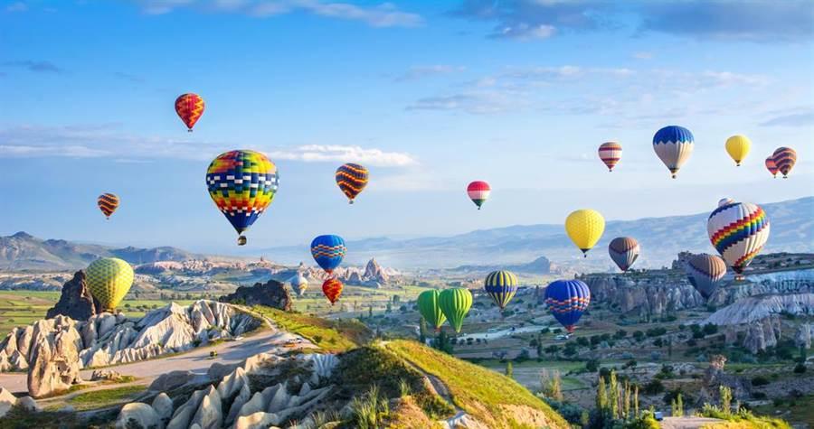 昨新增的20例中有位年僅5歲的個案,據指揮中心宣布,該名女童曾與媽媽一起參加員工旅遊去土耳其玩。(示意圖/Shutterstock)