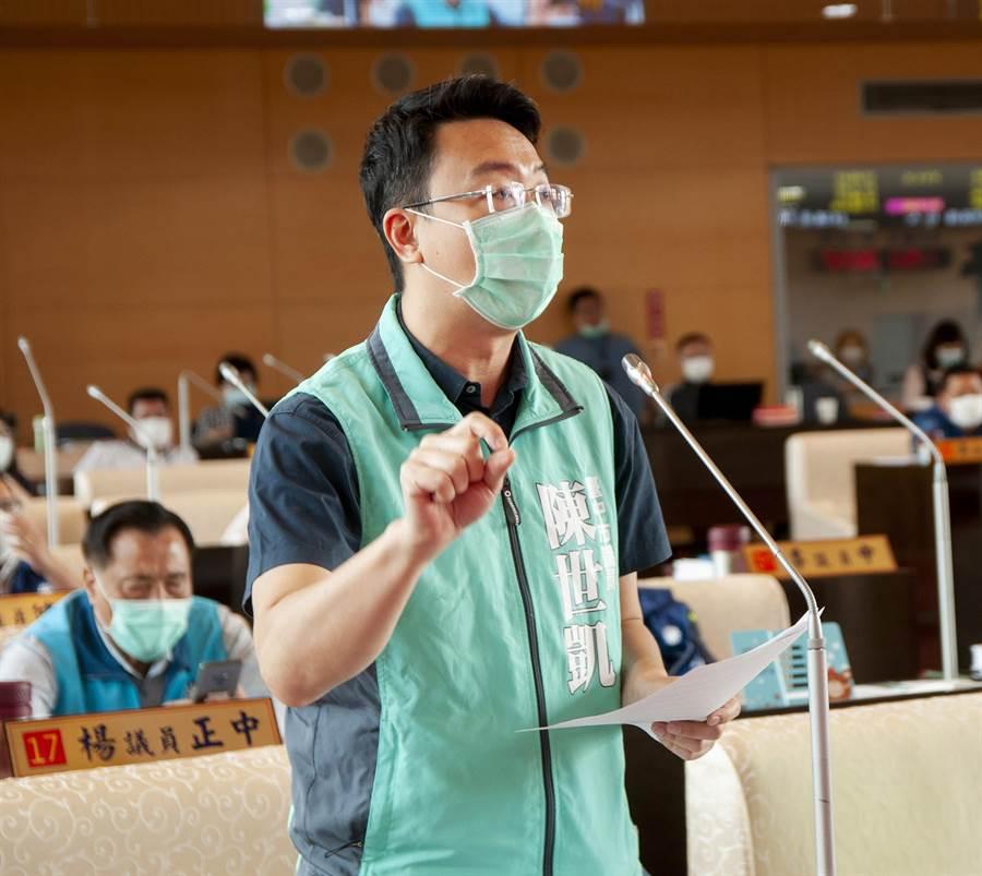 民進黨團總召陳世凱表示,中央宣告台中市生煤管制自治條例部分條文無效,議會應該建立類似案件的處理SOP,不要亂提釋憲。(陳世宗攝)