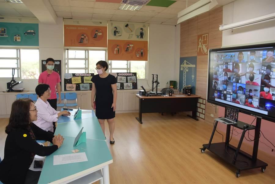彰化縣政府要求縣內各級學校,3月底前完成佈署遠距線上教學相關措施。(吳建輝攝)