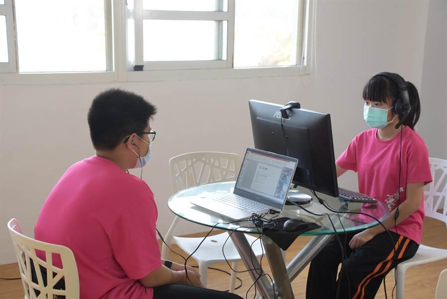 王惠說,危機也是轉機,智慧時代來臨,讓孩子及早適應遠距線上教學,未來可透過線上教學,讓孩子在家學習各類課程。。(吳建輝攝)