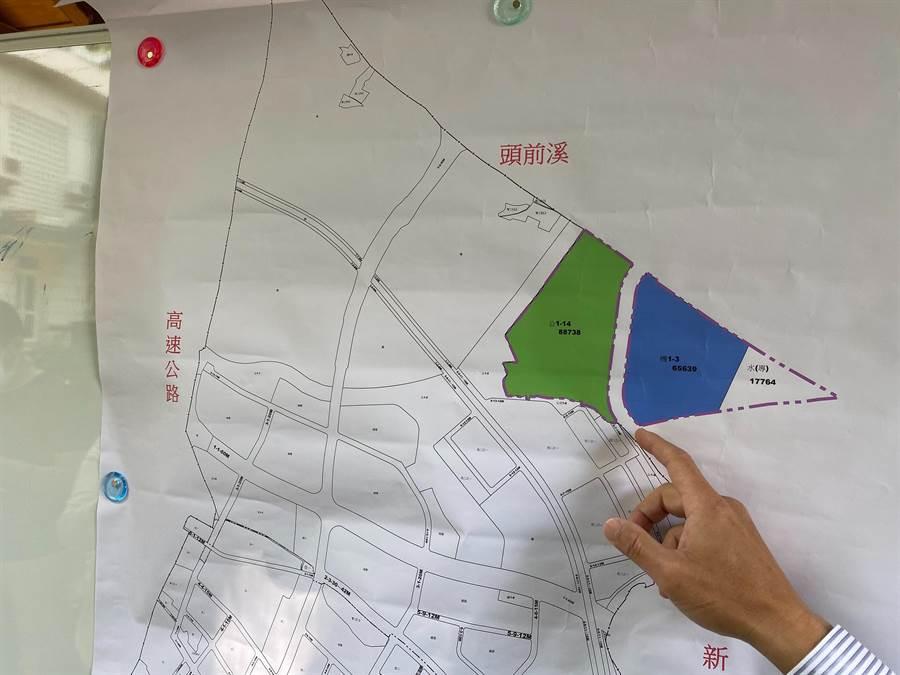 新竹市議員曾資程認為關埔2期鄰近頭前溪畔17公頃的非都市計畫區零星土地,可變更做為國中學校用地。(陳育賢攝)