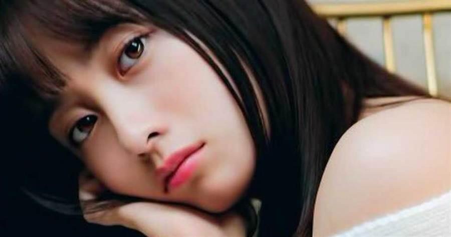 果然第一名是她!日本網友票選「傳說級美少女 TOP20」。(圖/橋本環奈推特)