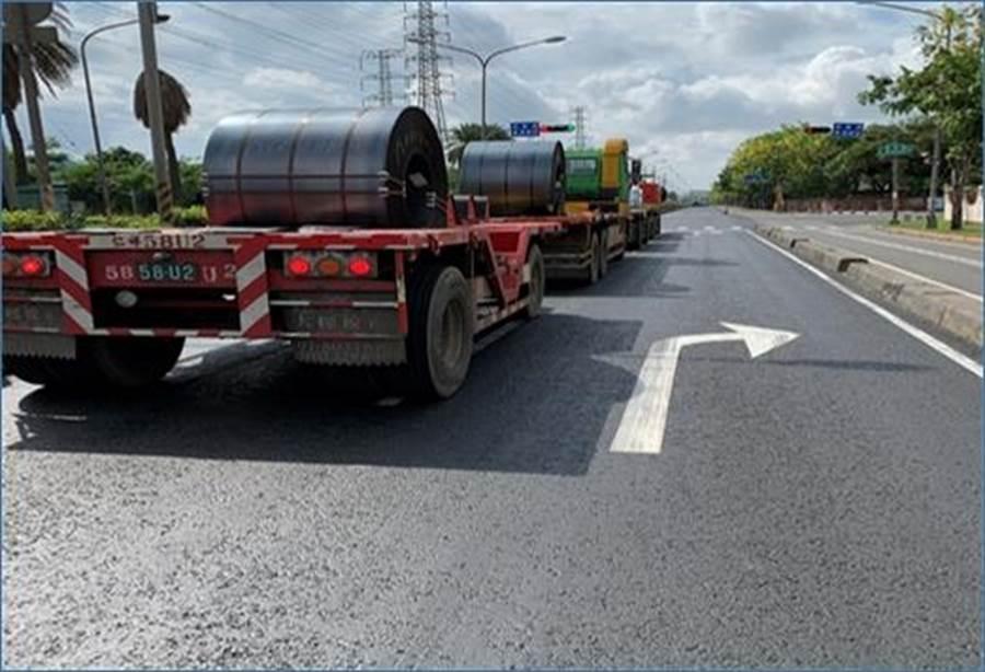 使用轉爐石舖設的道路,平坦扎實。圖/中聯資源提供