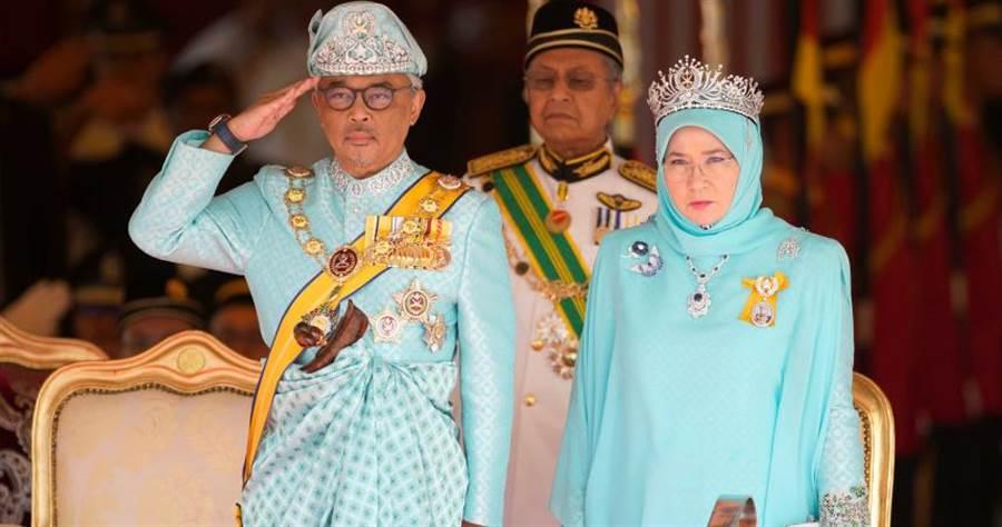 馬來西亞國王夫婦雖然平安,為安全起見自我隔離14天。(圖/達志/美聯社)