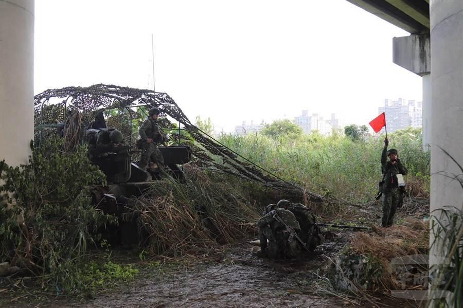 陸軍砲兵第21指揮部昨執行操演。軍聞社提供