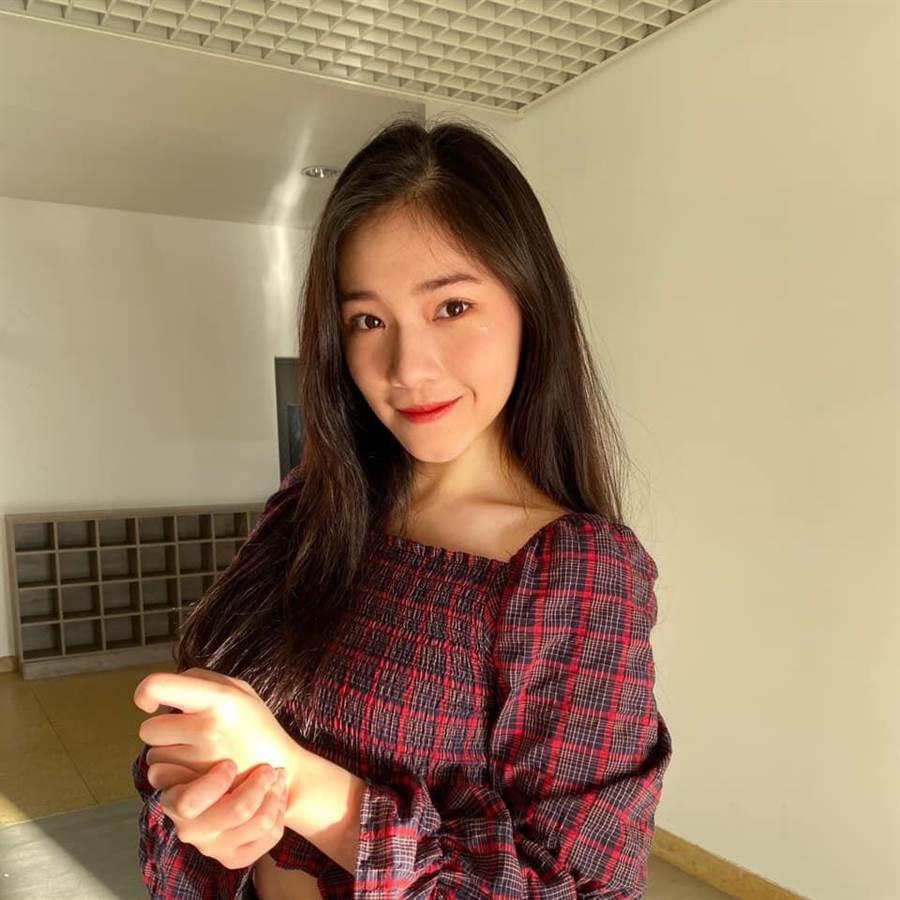 李㼈16歲女兒李紫嫣。(摘自臉書)