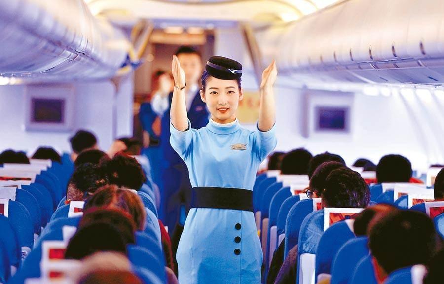 陸民航局表示,疫情防控期間繼續調減航班量。(中新社)