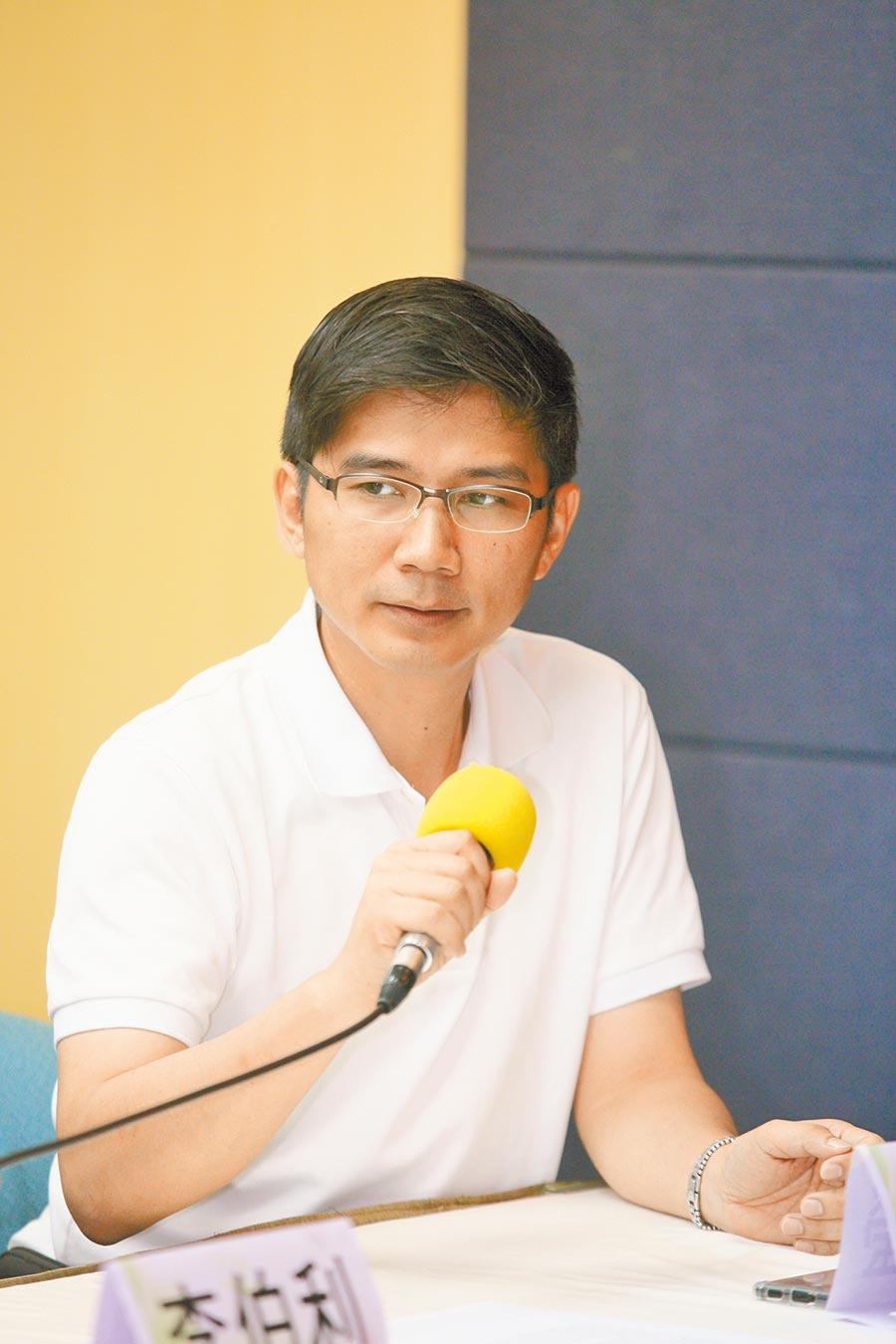 反同婚團體下一代幸福聯盟理事長曾獻瑩批評,行政院版本嚴重違反公投民意、踐踏人民公投,是台灣民主最黑暗的一天。(本報資料照片)