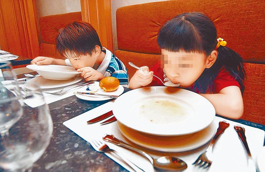 台灣新增19例新冠肺炎確診個案,又有一人有味覺變差的症狀,圖為示意圖。(本報系資料照片)