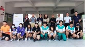 神力女立委牽線生技公司 竹山高中獲贈1500瓶乾洗手