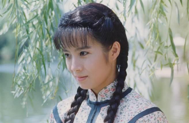 岳翎在《青青河邊草》中飾演杜青青,讓影迷至今難忘懷。(中時資料照片)