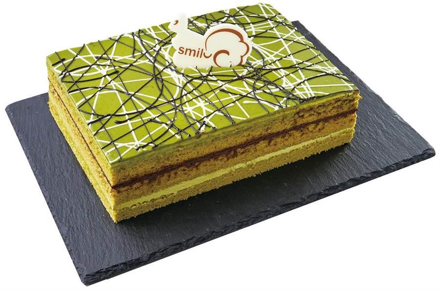 家樂福抹茶歌劇院蛋糕,杏仁海綿蛋糕搭配比利時巧克力甘納許和抹茶奶油,398元。(家樂福提供)