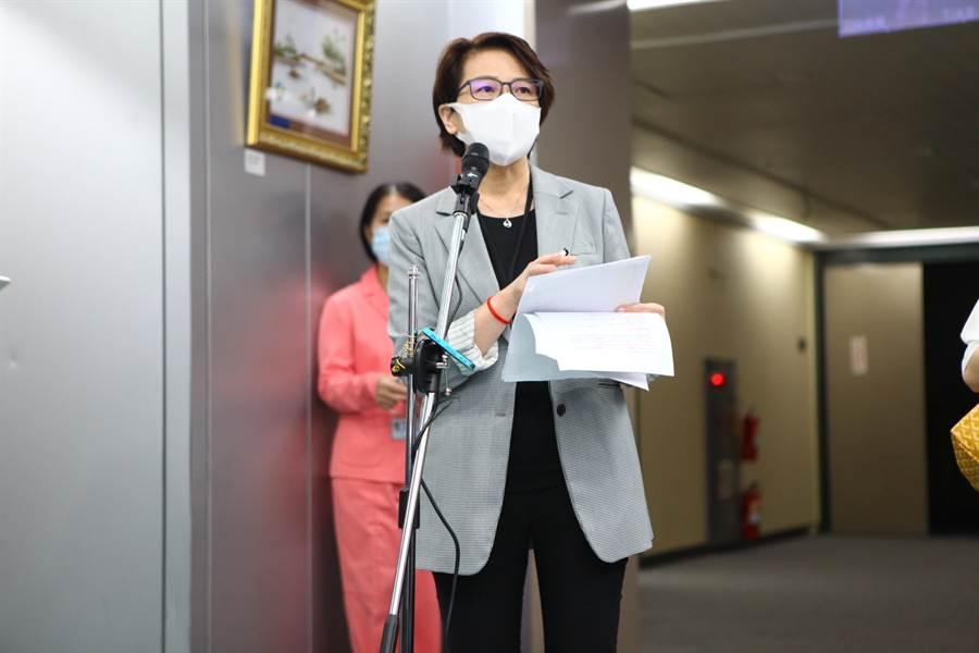 台北市副市長黃珊珊27日出面說明北市府防疫因應。(張立勳攝)