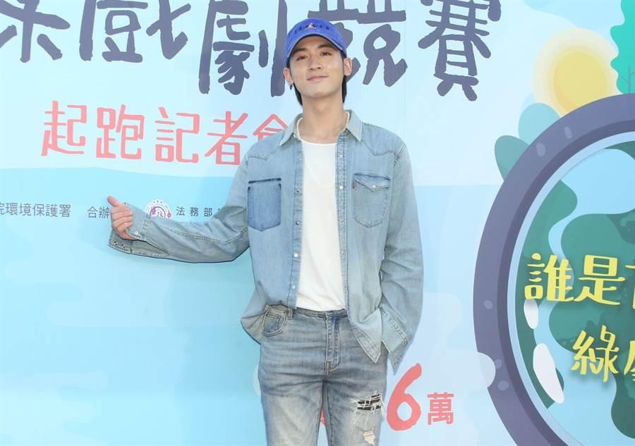 吳思賢(小樂)新專輯受疫情影響計畫延宕,他期許疫情盡快趨緩。(粘耿豪攝)