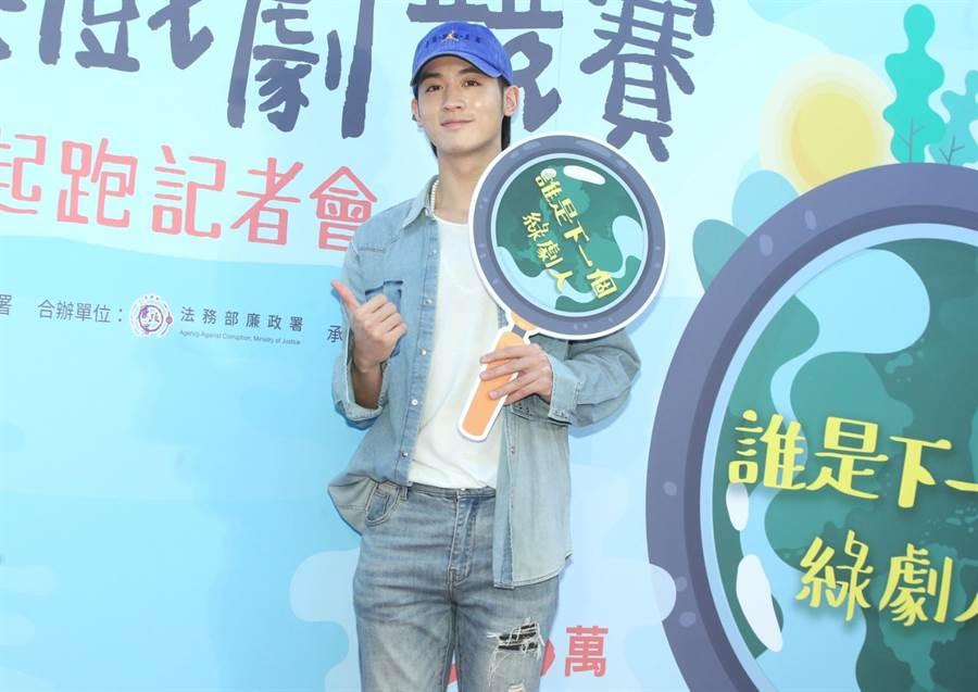 小樂吳思賢證實去年底和唱片公司太陽娛樂解約,但強調是和平共識。(粘耿豪攝)