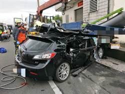 宜蘭小自客撞路邊貨車  3人OHCA
